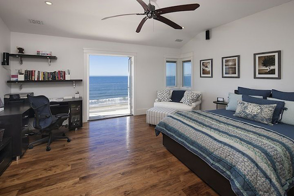 Guest bedroom in 849 Sand Point Road