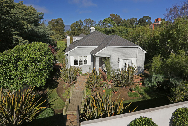 1152 Hill Road, a Montecito beach area home