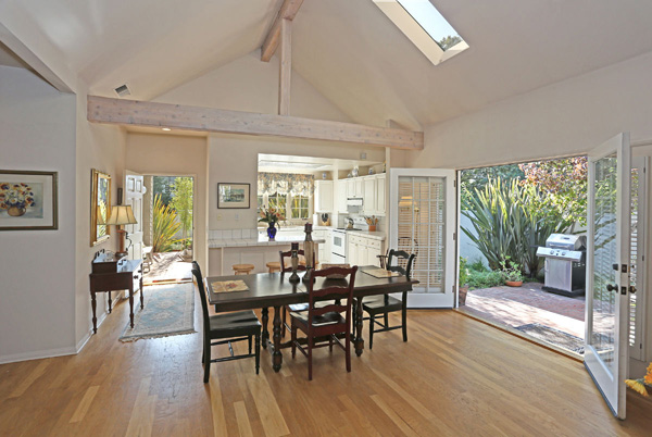 1152 Hill Road dining room, a Montecito beach area home