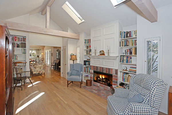 1152 Hill Road family room, a Montecito beach area home