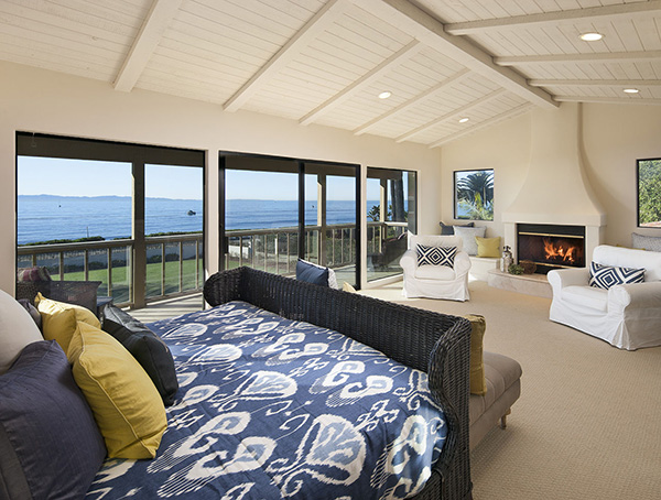 1154 Channel Drive master bedroom, an oceanfront home in Montecito steps from the Four Seasons Santa Barbara Biltmore Hotel