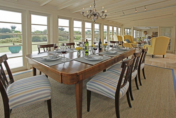 4257 Avenue del Mar dining room, a beachfront home in Sandyland Cove