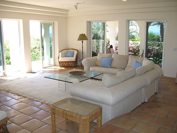 875 Sand Point Road living room, a beachfront home in Carpinteria