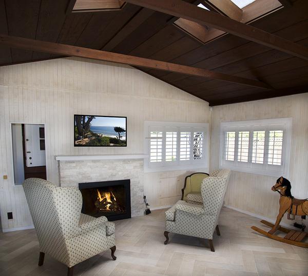 2345 Edgewater Way Living Room 2