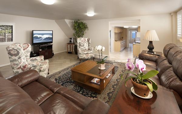 2345 Edgewater Way family room