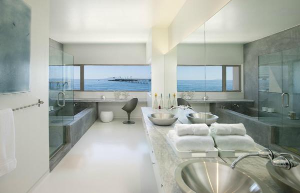 6638 Old Pacific Coast Highway master bathroom