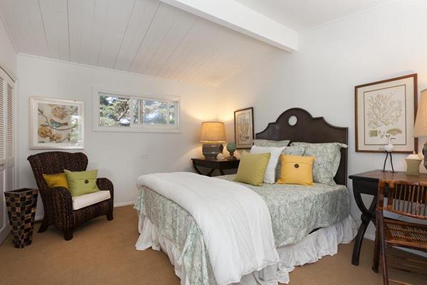 4393 Avenue Del Mar bedroom 3