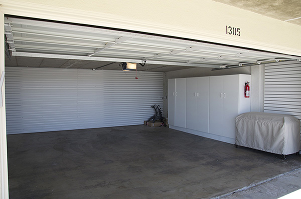 19_Bonnymede Beachfront Condo Garage for web