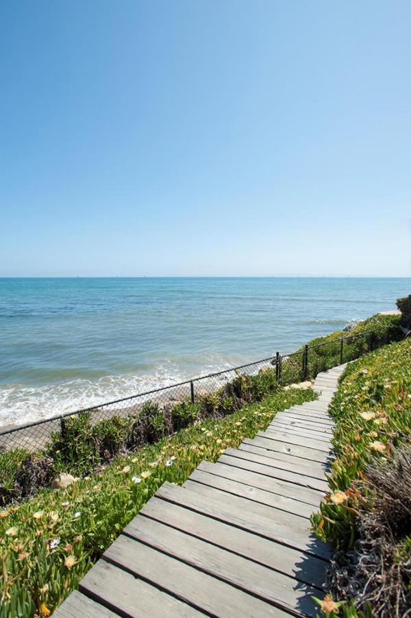 3284 Beach Club Road 16