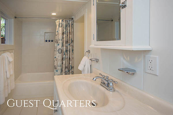 22_3551 Padaro Lane guest quarters bathroom