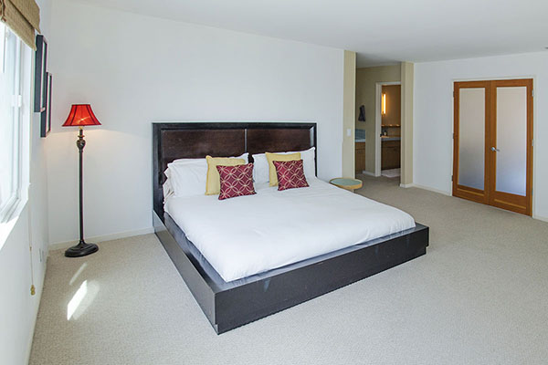 18_Master bedroom